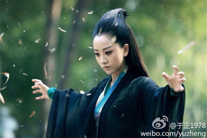 Nữ ma đầu xinh đẹp truyện Kim Dung: Lý Mạc Sầu đọ tài sắc Mai Siêu Phong - 2