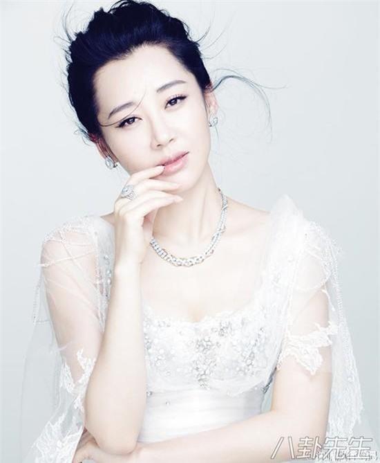 """Phận đời """"một trời một vực"""" mỹ nhân phim Kim Dung: Người tự tử, kẻ hạnh phúc bên đại gia - 7"""