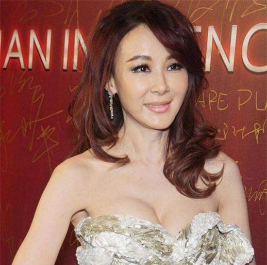 tung-la-22de-nhat-mi-nhan-dai-loan22-lan-luot-ca-lam-chi-linh-tieu-tuong-thanh-tham-hoa-dao-keo-vuong-tinh-co-chau-vung-trom-4-ngoisao.vn-w550-h547 15