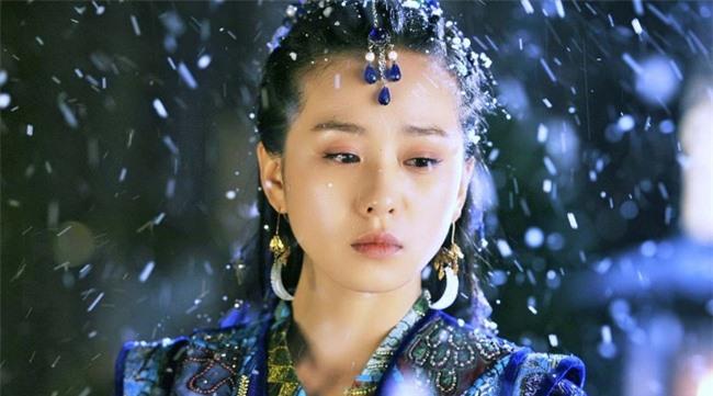 Váy xanh lộng lẫy: Địch Lệ Nhiệt Ba - Lý Thấm ai cũng xinh đẹp mê đắm nhưng xuất sắc nhất là Lưu Thi Thi  - Ảnh 8.