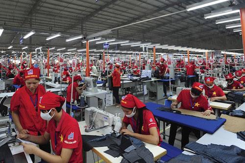 Các doanh nghiệp dệt may lâm nguy khi nhiều thị trường xuất khẩu chủ lực đóng cửa biên giới