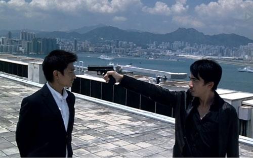 Tác phẩm quy tụ dàn diễn viên hàng đầu Hong Kong như Lưu Đức Hoa, Lương Triều Vỹ, Tăng Chí Vỹ, Hoàng Thu Sinh... là Vô gian đạo đứng vị trí thứ 6. Năm 2014, phim từng được hãng Plan B Entertainment của Mỹ mua quyền làm lại với tên gọi The Departed.