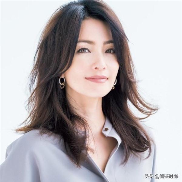 kieu-toc-nhat-ban-1-ngoisao.vn-w600-h600.jpg 3