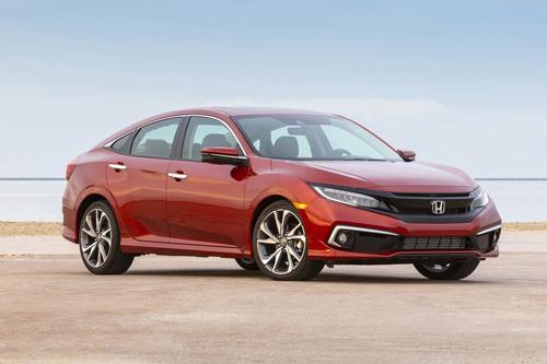 6. Honda Civic 2020 (giá khởi điểm: 19.750 USD, điểm: 8,4/10).
