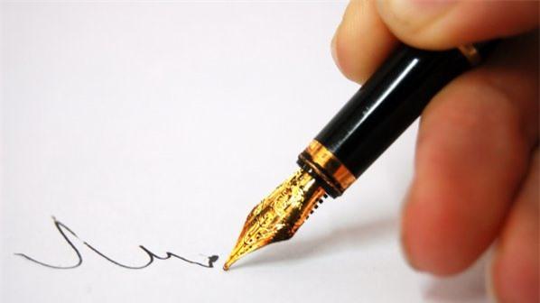Dùng một áp lực mạnh đè lên để thể hiện chữ ký là dấu hiệu cho thấy bạn là một người nghiêm túc và rất đáng tin cậy