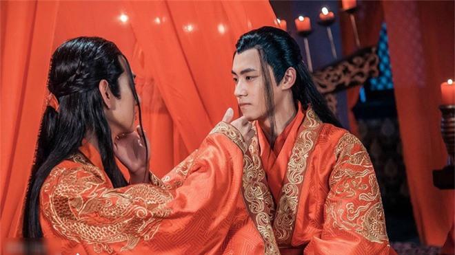 Chuyện của Trần Văn Đế và Hàn Tử Cao thậm chí còn được dựng thành phim.