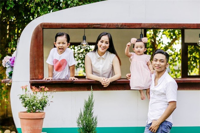 Tổ ấm hạnh phúc của Khánh Thi – Phan Hiển.
