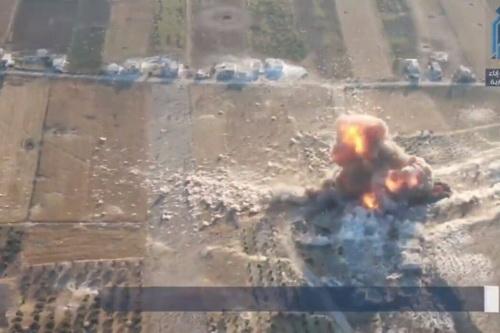 Phiến quân sự định tấn công các trạm kiểm soát của quân cảnh Nga bằng cách sử dụng xe bom tự sát. Ảnh: Al Masdar News.