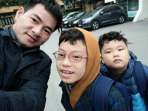 NSƯT Xuân Bắc có 2 cậu con trai