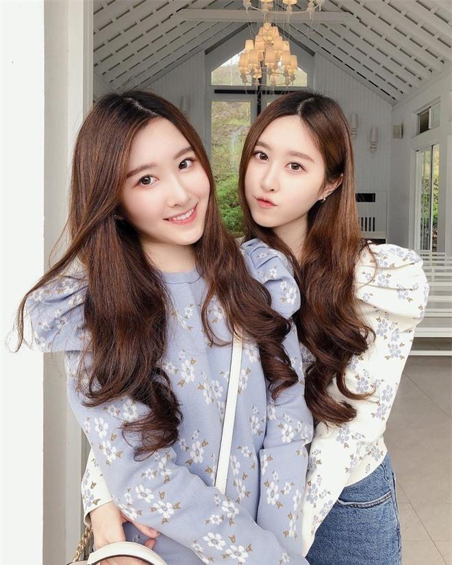 'Cặp chị em đẹp nhất Đài Loan' và các đôi song sinh nổi tiếng MXH - Ảnh 2