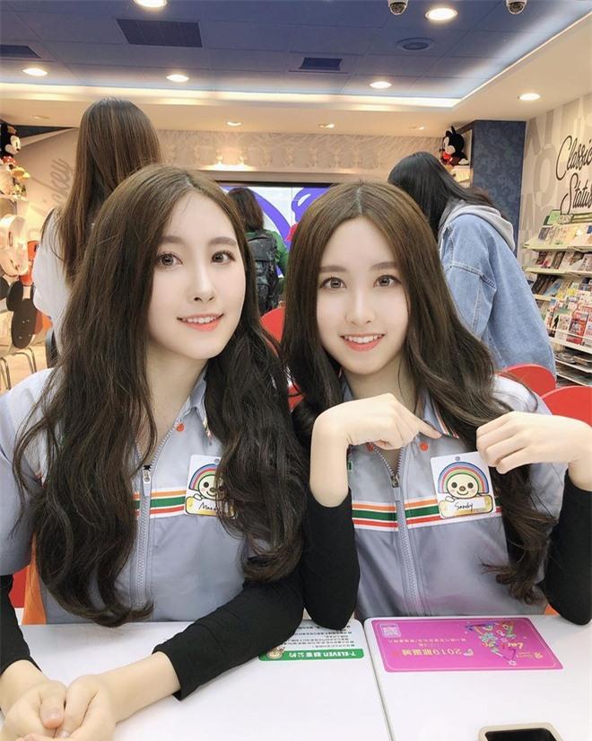 'Cặp chị em đẹp nhất Đài Loan' và các đôi song sinh nổi tiếng MXH - Ảnh 3