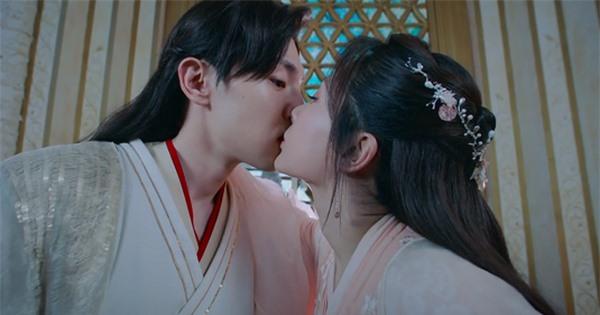 Loạt cảnh hôn 'ngọt lịm' được khán giả 'hoan nghênh' trên màn ảnh Hoa ngữ - Ảnh 4
