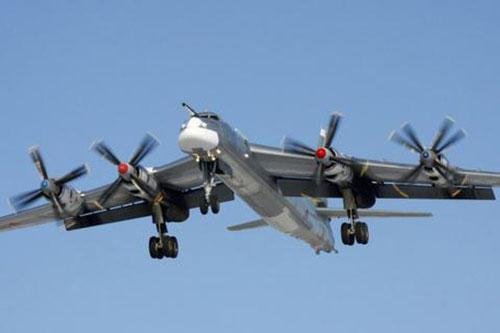 Trong khi đa phần các tiêm kích chỉ mang khối lượng vũ khí dao động từ 6,5-8 tấn thì F-15EX lại có thể mang tới 14 tấn vũ khí. Đây là con số rất đáng nể cho một chiếc tiêm kích.