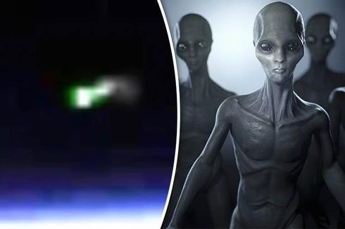 loạt ánh sáng xanh bí ẩn xuất hiện trong video ghi hình không gian của Cơ quan Hàng không Vũ trụ Mỹ