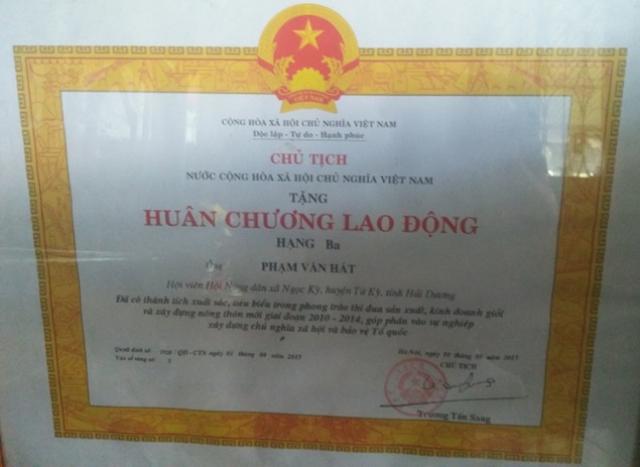 Năm 2015 anh Phạm Văn Hát vinh dự được Chủ tịch nước tặng thưởng Huân chương Lao động hạng 3.