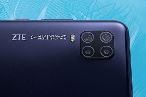 ZTE Axon 11 5G sở hữu 4 camera sau. Cảm biến chính 64 MP, khẩu độ f/1.9 cho khả năng lấy nét theo pha. Cảm biến thứ hai 8 MP, f/2.2 cho góc rộng 120 độ. Ống kính macro và cảm biến chiều sâu cùng có độ phân giải 2 MP, f/2.4. Bộ tứ này được trang bị đèn flash LED kép, quay video 4K với tốc độ 30 khung hình/giây.