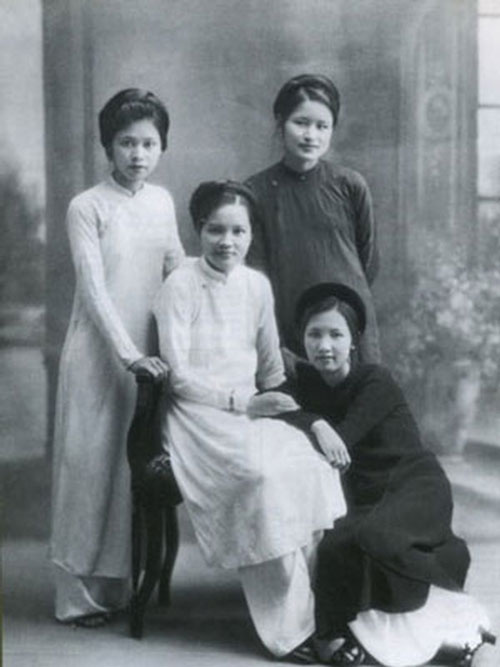 """Nối tiếng nhất trong """"tứ đại mỹ nhân"""" Hà Thành có lẽ là cô Phượng Hàng Ngang (Vương Thị Phượng)."""