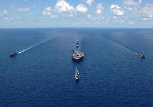 Nhóm tác chiến tàu sân bay (CSG) có nòng cốt là tàu sân bay giữ vai trò điều phối và chỉ huy hoạt động chiến đấu.