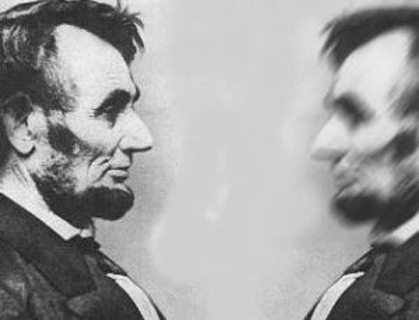 Lincoln gặp bản sao của mình.