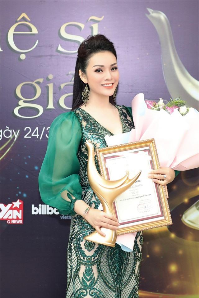Giải Cống hiến 2020: Hoàng Thùy Linh giành cú ăn bốn, Tân Nhàn thắng Chương trình của năm - Ảnh 2.