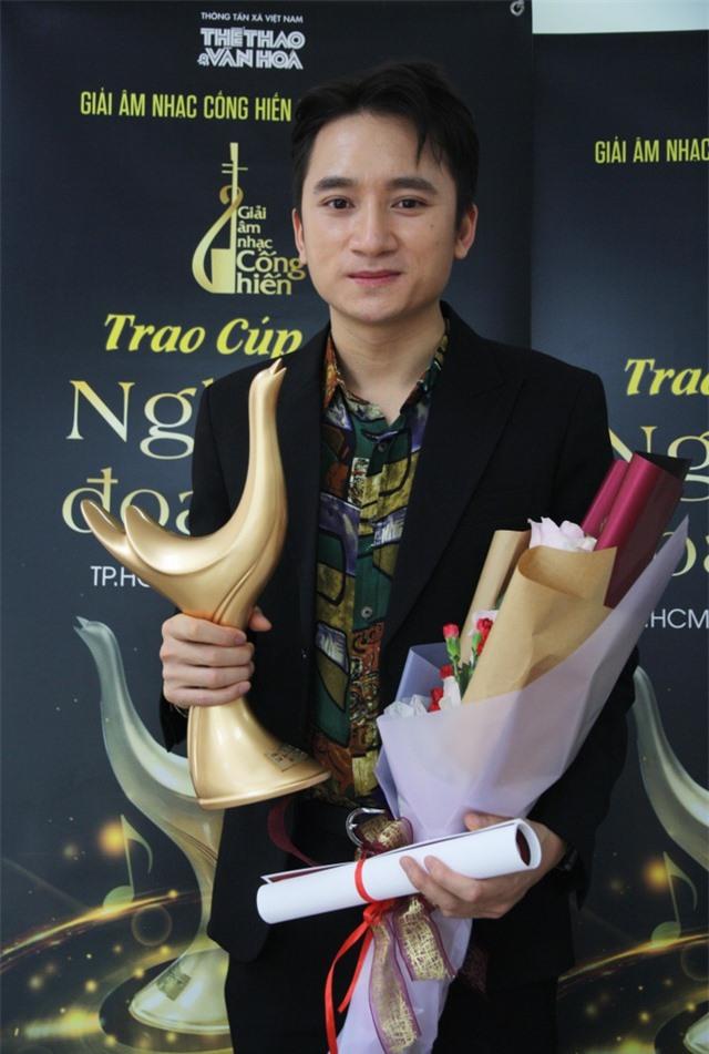 Hoàng Thùy Linh xuất sắc đoạt 4 giải Âm nhạc Cống hiến - 4