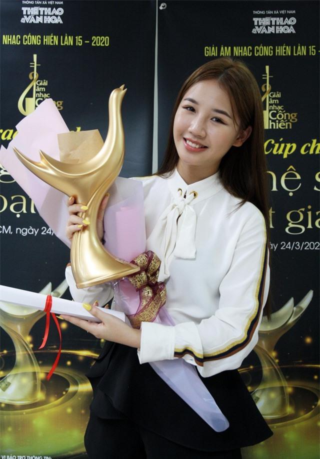 Hoàng Thùy Linh xuất sắc đoạt 4 giải Âm nhạc Cống hiến - 5