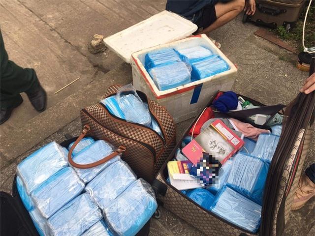 Vận chuyển lậu hàng chục ngàn chiếc khẩu trang y tế qua Lào tiêu thụ - 2