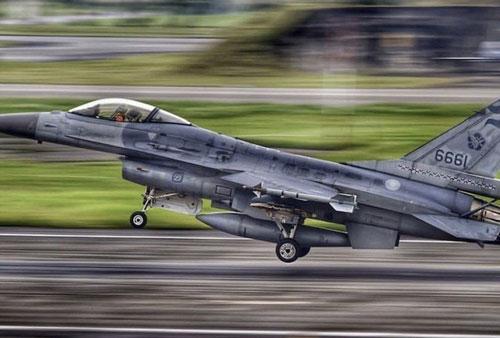 Tiêm kích F-16 của Đài Loan được phái đi chặn chiến đấu cơ Trung Quốc