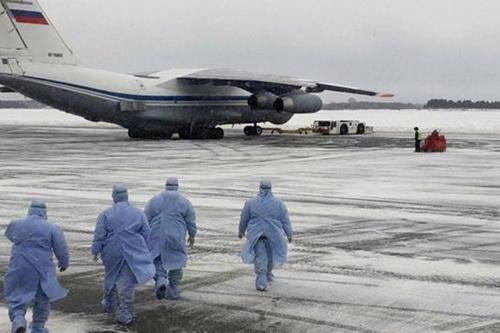 Nga cho biết sẵn sàng trợ giúp y tế cho Hoa Kỳ tương tự như với Italia. Ảnh: Lenta.ru.