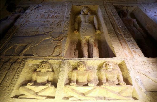 Bên trong ngôi mộ 4.400 tuổi vừa được phát hiện ở Ai Cập - Ảnh 8.