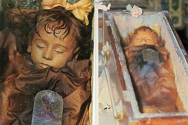 Bí ẩn xác ướp bé gái gần trăm năm vẫn nguyên vẹn như đang ngủ, thỉnh thoảng lại chớp mắt - 1