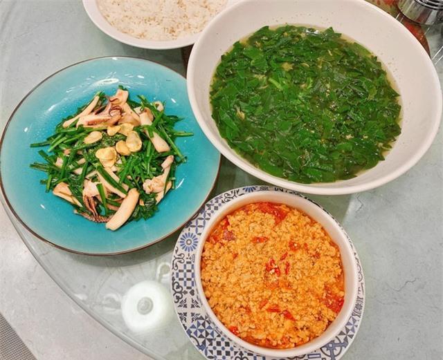 Ở nhà tránh dịch Covid-19, sao Việt khoe ảnh nấu ăn ngon - 19