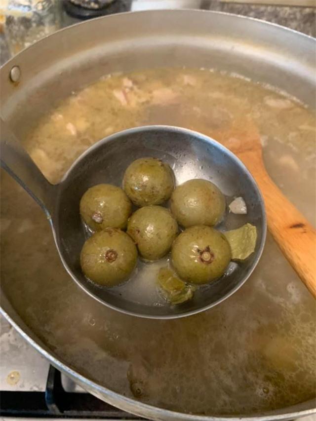 Thanh Thảo, Ngọc Anh 3A chăm vào bếp nấu món ăn Việt Nam trên đất Mỹ những ngày tránh dịch Covid-19 - Ảnh 12.