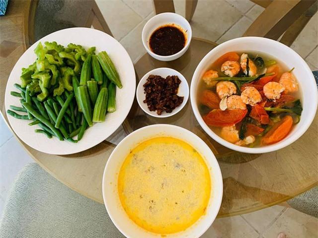 Thanh Thảo, Ngọc Anh 3A chăm vào bếp nấu món ăn Việt Nam trên đất Mỹ những ngày tránh dịch Covid-19 - Ảnh 4.