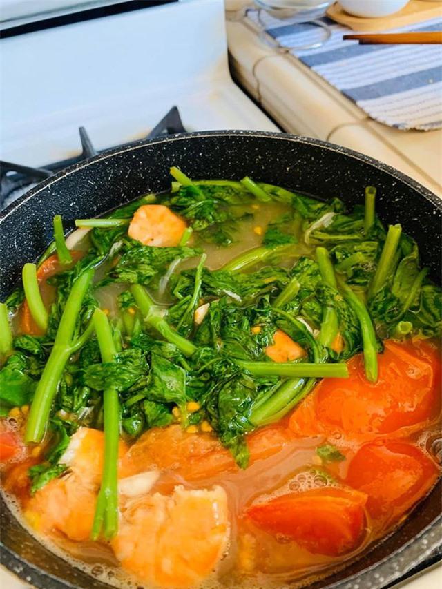 Thanh Thảo, Ngọc Anh 3A chăm vào bếp nấu món ăn Việt Nam trên đất Mỹ những ngày tránh dịch Covid-19 - Ảnh 5.