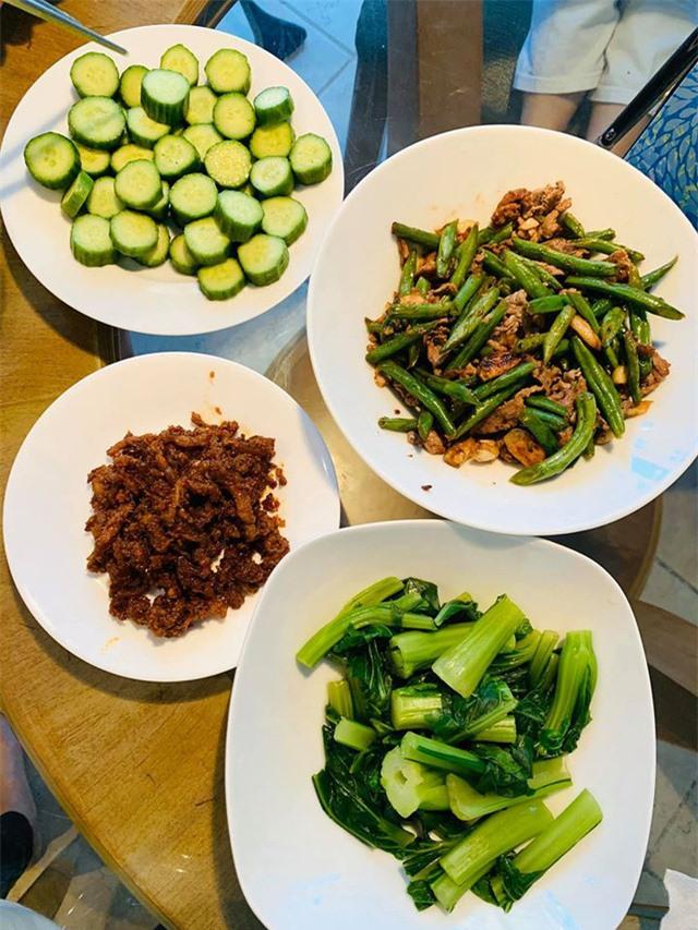 Thanh Thảo, Ngọc Anh 3A chăm vào bếp nấu món ăn Việt Nam trên đất Mỹ những ngày tránh dịch Covid-19 - Ảnh 6.