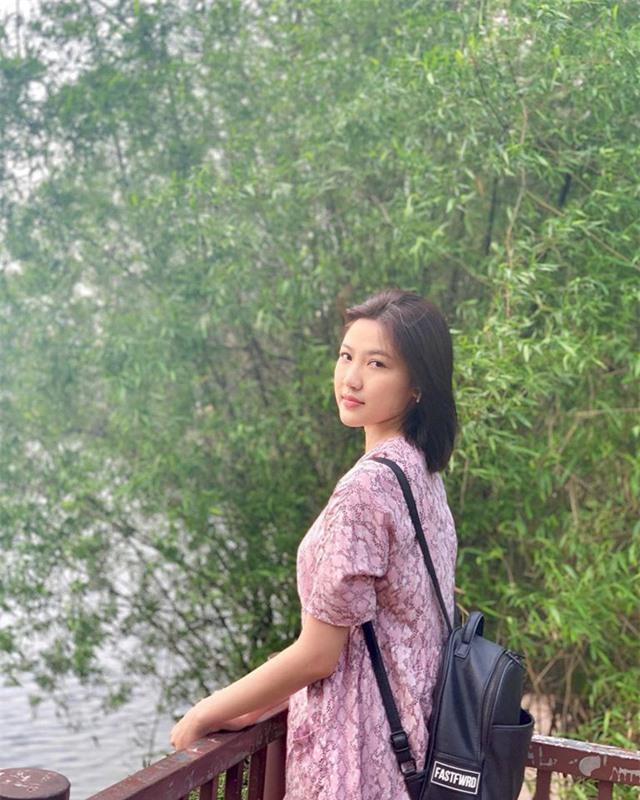 """""""Tiểu tam"""" Lương Thanh xuất hiện với chiếc cằm dài bất thường - Ảnh 2."""