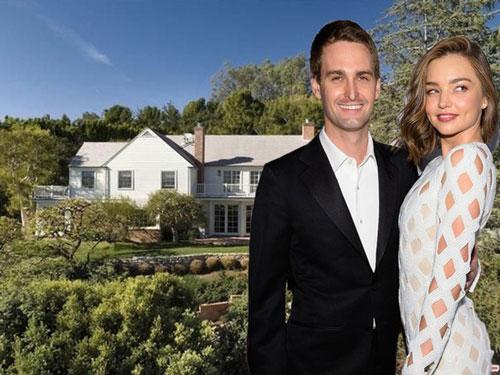 Đồng sáng lập kiêm CEO Snapchat Evan Spiegel cùng vợ siêu mẫu Miranda Kerr đã mua căn nhà ở Los Angeles với giá 12 triệu USD vào năm 2016, tương đương 12,6 triệu USD hiện nay. Ảnh: Getty.