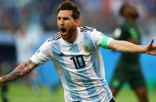2. Lionel Messi. (Argentina). Ảnh: Fourforurtwo.