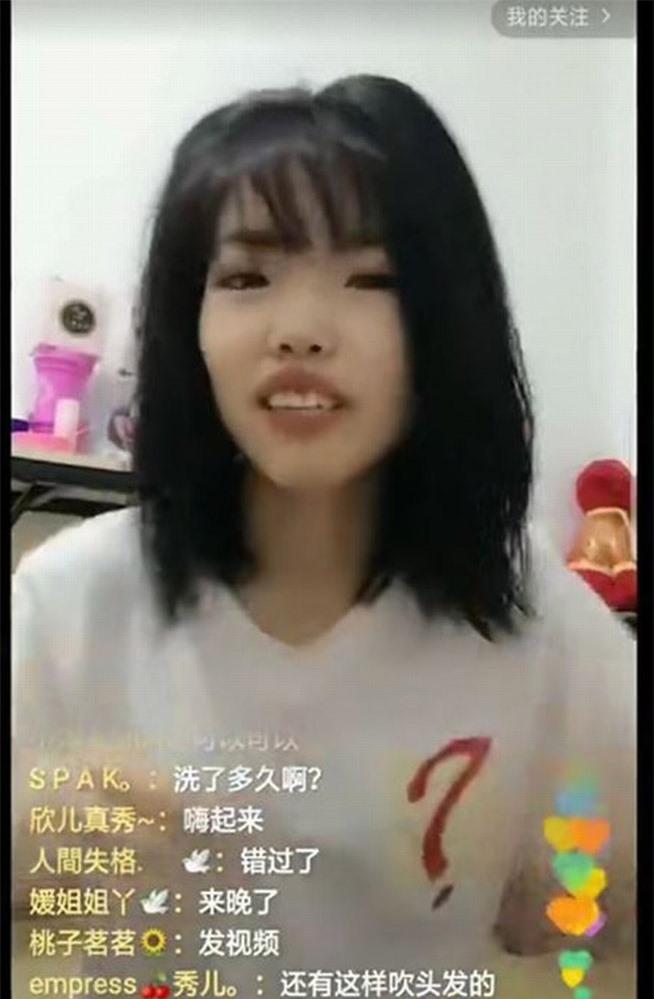 Mái tóc của cô gái sau khi gội đầu.