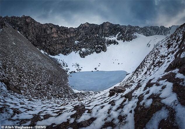 Điều khủng khiếp gì khiến hồ Roopkund có đến 800 bộ xương người? - ảnh 3