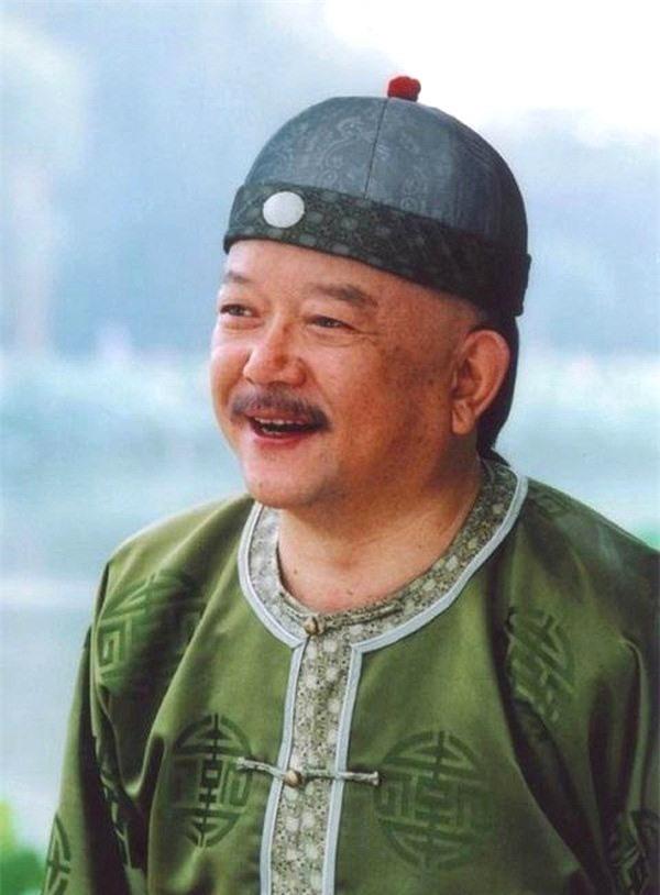 """Hòa Thân - """"Đệ nhất quan tham"""" trong lịch sử Trung Hoa - anh 3"""