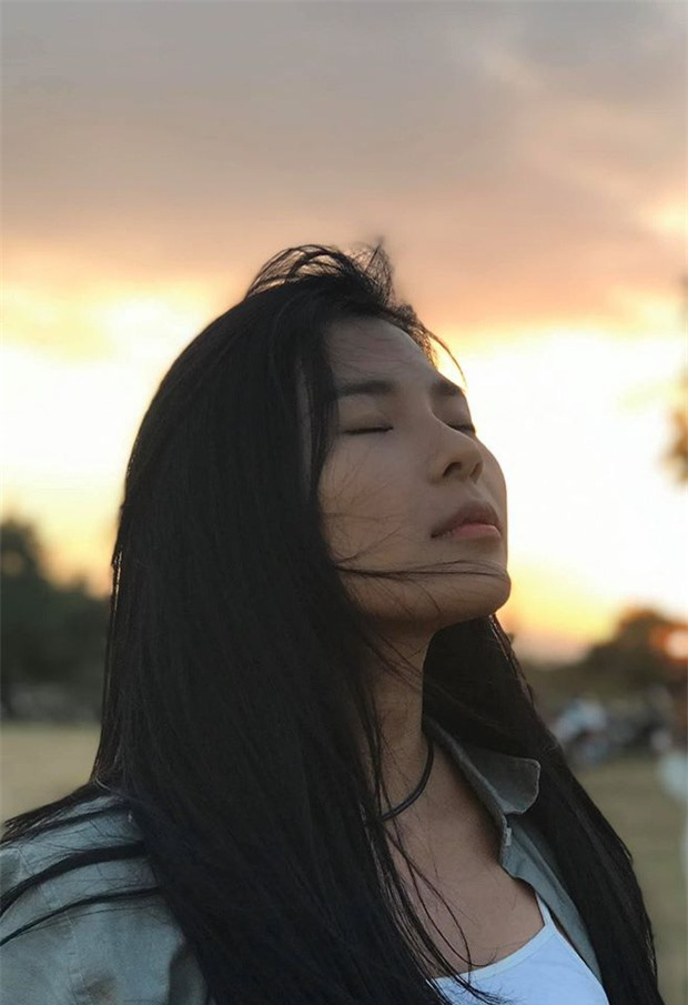 Có thể nói, bà xã Lương Thế Thành rất tự tin với mặt mộc khi thường xuyên khoe những khoảnh khắc như thế này lên trang cá nhân.