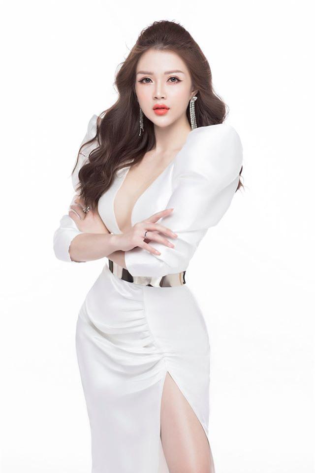 Doanh nhân Bùi Quỳnh Anh sở hữu ngoại hình nổi bật không kém các hotgirl