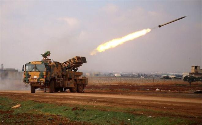 Phiến quân phản chủ đánh vỗ mặt QĐ Thổ Nhĩ Kỳ ở Syria: Liên minh do Mỹ lãnh đạo vỡ trận - Ảnh 1.