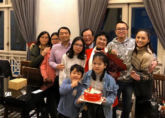 """Nhiều dịp đặc biệt tại gia đình nhà """"bạn trai tin đồn"""", Thu Quỳnh và bé Be đều có mặt."""