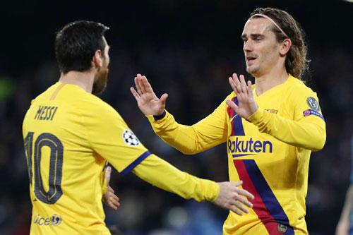 Messi, Griezmann cùng các đồng đội bị giảm lương.