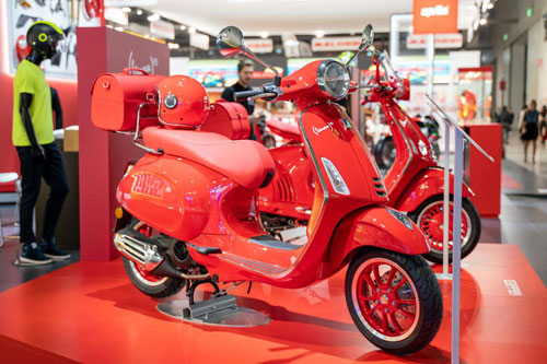 Vespa Primavera 125 RED 2020.