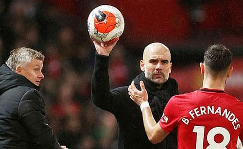 HLV Guardiola và Bruno Fernandes đã to tiếng với nhau.
