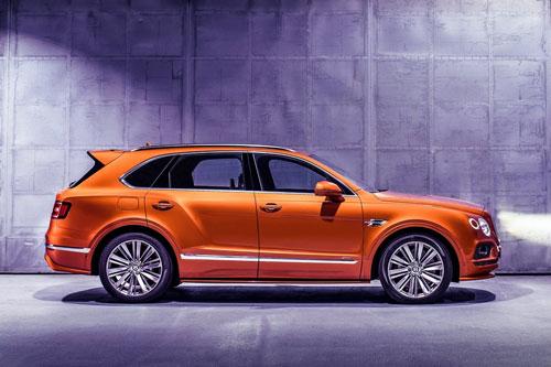 4. Bentley Bentayga Speed. Siêu xe của Bentley được trang bị động cơ W12 tăng áp kép với dung tích 6 lít cho công suất 626 mã lực, mô-men xoắn cực đại 900 Nm. Thời gian tăng tốc từ 0-100 km/h trong 3,8 giây, tốc độ tối đa 306 km/h.